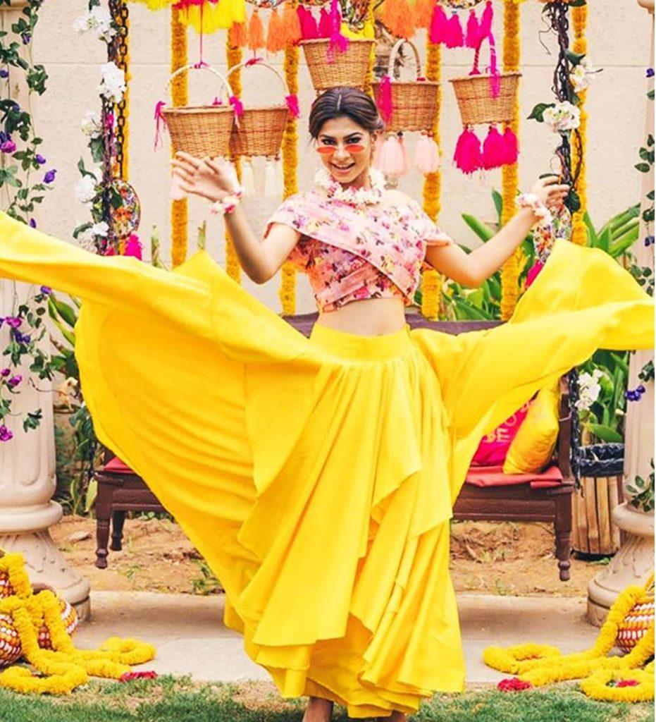 Best Haldi Dresses for Brides 2020 - Haldi Outfits Ideas